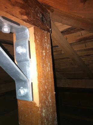 小屋裏 耐震金具